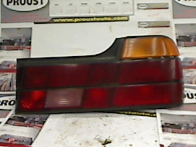 feu arriere principal droit feux d 39 occasion pour bmw serie 7 e32. Black Bedroom Furniture Sets. Home Design Ideas